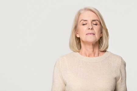 A menopauza növelheti a koronavírus fertőzés kockázatát?