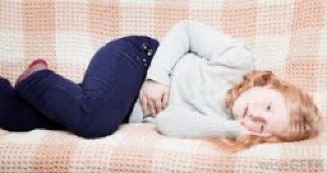 A kislányoknál is jelentkezhet hüvelyi folyás, de ezt nem felnőtt szerekkel kell kezelni.